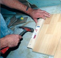 Kladenie laminátové podlahy
