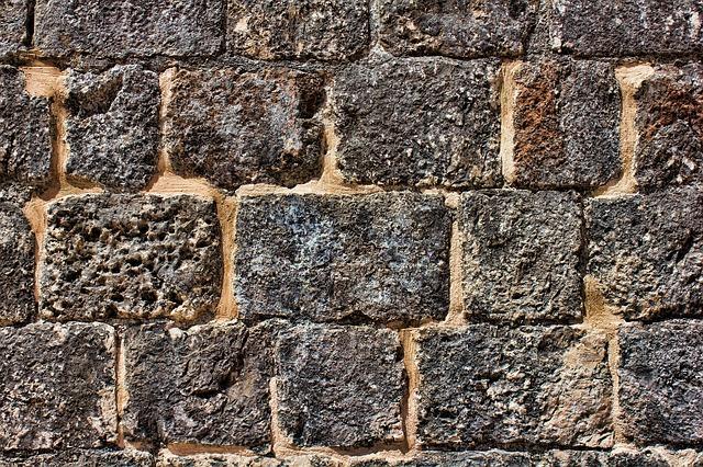 Ako opraviť praskliny v stene!