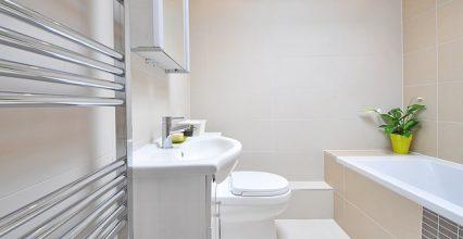 Moderné kúpeľne v panelákových bytoch