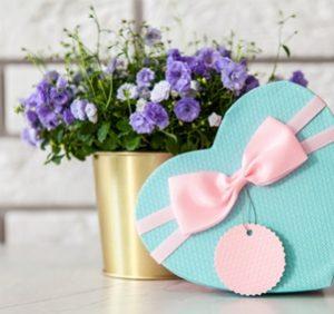 Top 5 špeciálnych príležitostí kedy darovať niečo pekné pre vašich milovaných